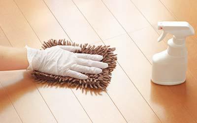 大阪府門真市の微酸性次亜塩素酸水のエルビーノの活用例は学校や保育園や幼稚園などの手すりやドアノブや床の消毒に使える