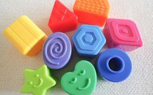 大阪府門真市の微酸性次亜塩素酸水のエルビーノの活用例は学校や保育園や幼稚園などのおもちゃや遊具や絵本などの消毒に使える